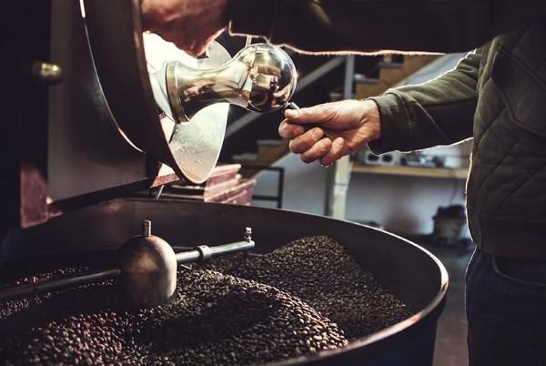Có nên chọn máy rang cà phê giá rẻ?